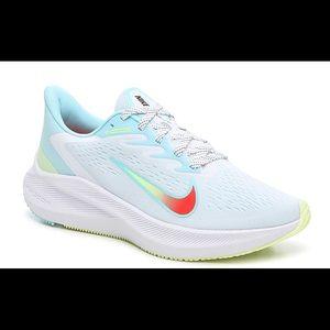 Nike ZOOM WINFLO 7 RUNNING SHOE WOMEN'S size 10